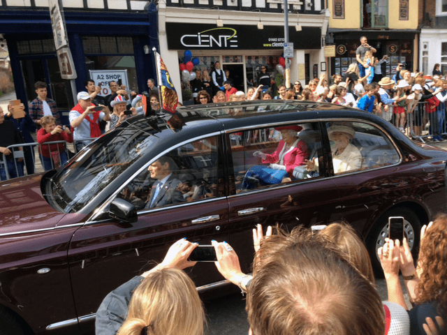 Queen Elizabeth passes Cienté Salon in Berkhamsted